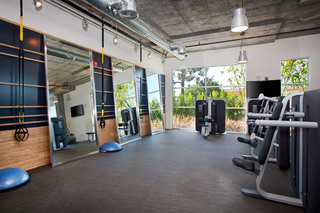 17 glendale apartments gym