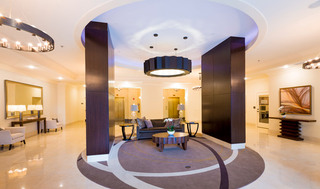 Sandy springs lobby sitting area at apartments