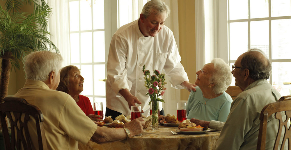 Manchester senior living facility dining services