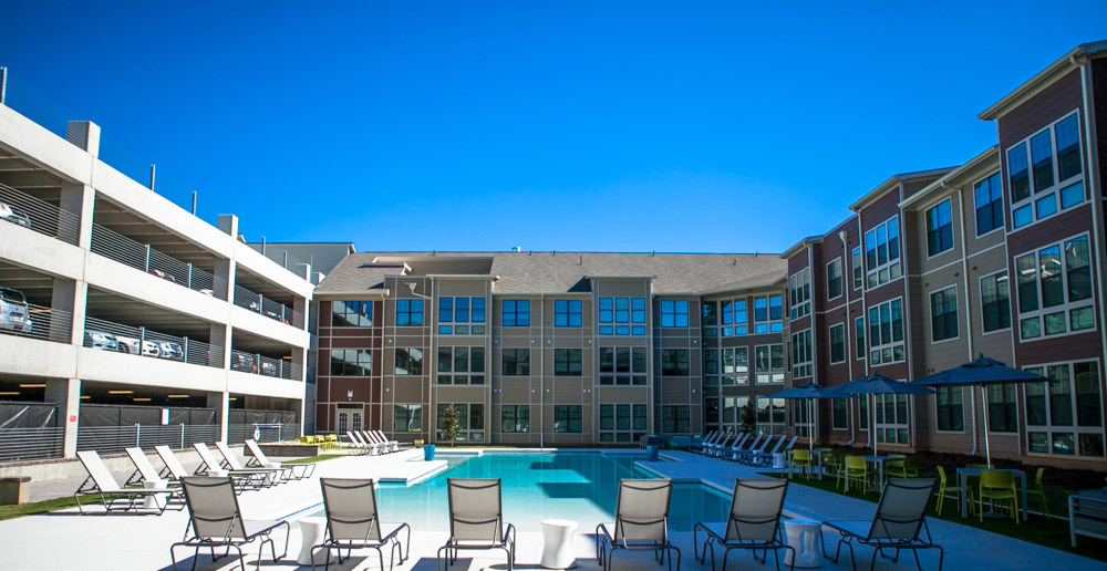 Tuscaloosa bright pool space by the parking garage