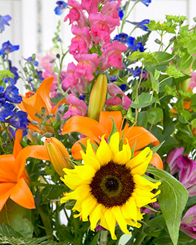 Woodstock VT flowers for assisted living and memory care residents at Woodstock Terrace.