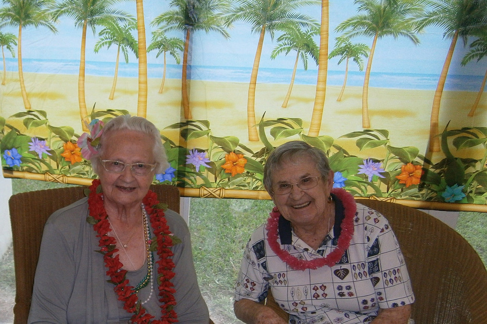 Hawaiin party senior living manchester center