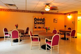Skilled nursing dining room in painesville