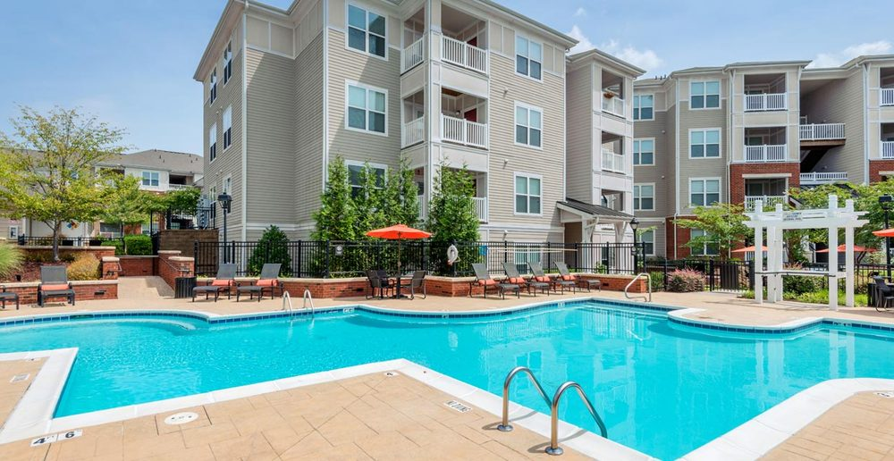 Morrisville apartments southern oaks at davis park in for Garden oaks pool