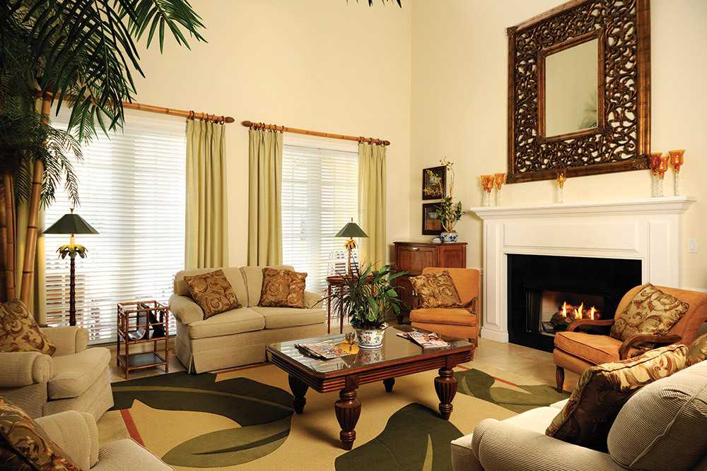 Tequesta florida assisted living lounge area