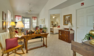 Model living room at moberly independent community