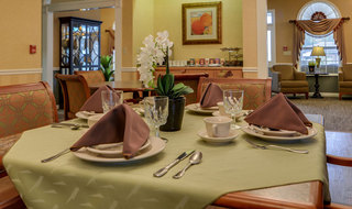 Senior living in cape girardeau dining services