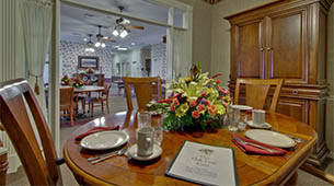 Services and amenities for senior living residents at Autumn Oaks.