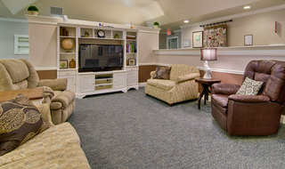 Lobby lounge area in spring hill memory care community