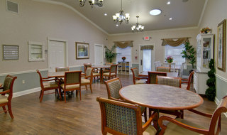 Spring hill senior living dining services for memory care