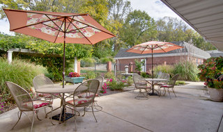Senior living community patio in washington