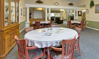 Senior living dining services for memory care in washington