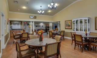 Community dinning area at memory care in smyrna