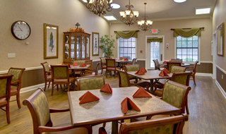 Olive branch memory care dinning hall