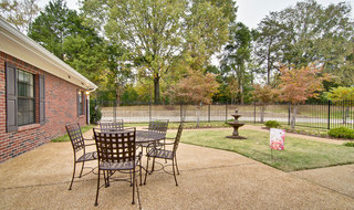 Outdoor eating area at olive branch memory care