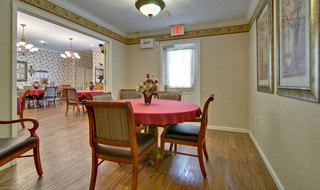 Memoy care dinning set in clinton