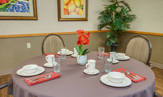Chaffee skilled nursing set table