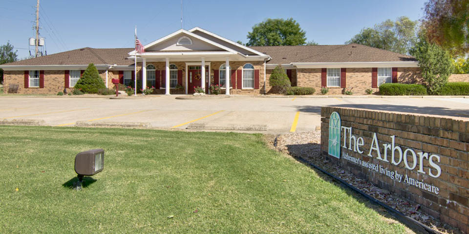Our Senior Care Community In Clinton Mo The Arbors At Glendale Gardens