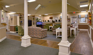 Collierville memory care senior community lounge