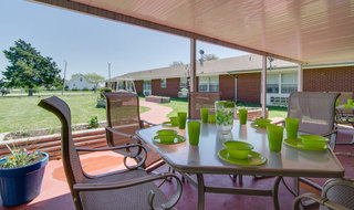 Out door patio at moran skilled nursing