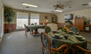 Skilled nursing community dining area in sabetha