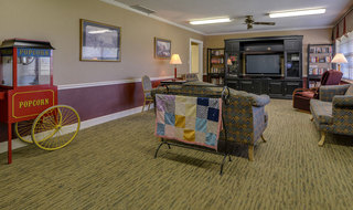 Skilled nursing community entertainment area in russell
