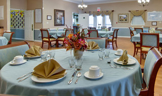 Dining set sullivan assisted living