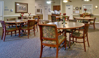 Dining hall in paris assisted living