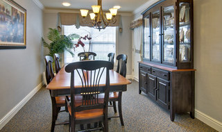 Family dining sullivan assisted living
