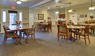 Paris assisted living dining hall