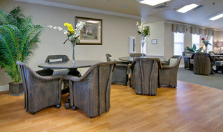 Sullivan assisted living kitchen and dining