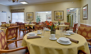 Dining set martin assisted living