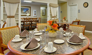 Dining set at kirksville assisted living