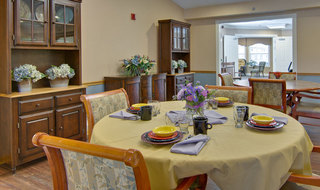 Dining set clinton assisted living