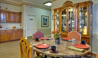 Dining set at springfield assisted living