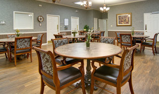 Dining hall in carthage assisted living