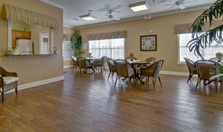 Kitchen and dining spring hill assisted living