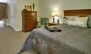 Large bedroom spring hill assisted living