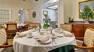 Services and amenities for senior living residents at Dogwood Pointe.