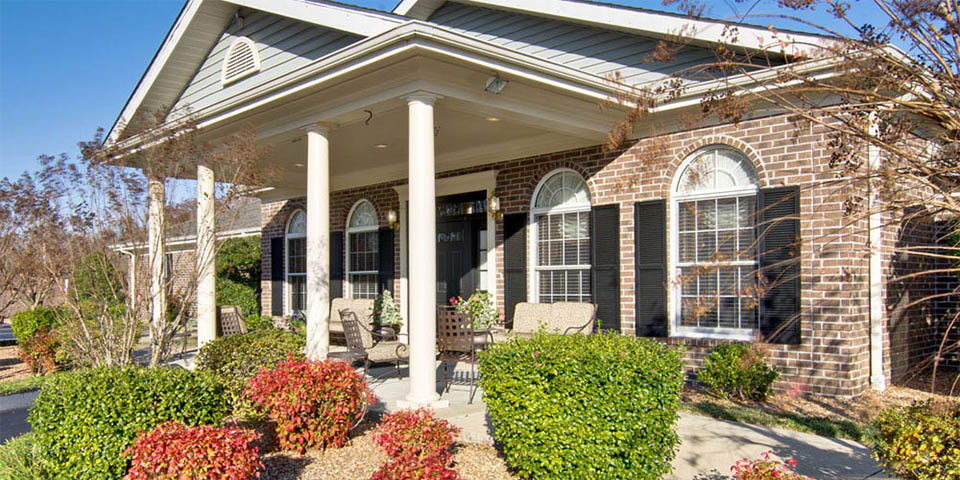 Our assisted living community in Paris, TN.