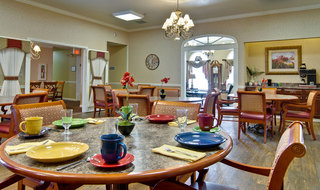 Lebanon assisted living dining set