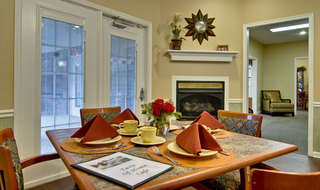 Dining set in olive branch assisted living