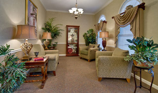 Murfreesboro assisted living reading lounge