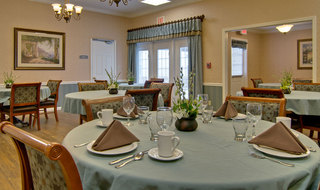 Dining set rolla assisted living