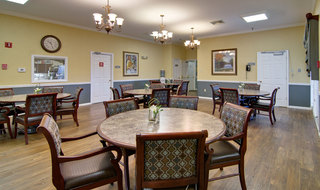 Dining hall at moberly assisted living