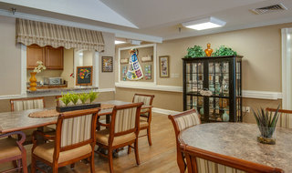 Kitchen and dining area at mcminnville assisted living