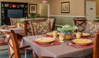 Savannah assisted living catered dining