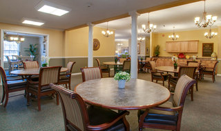 Savannah assisted living dining hall
