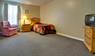 Single bedroom at neosho assisted living