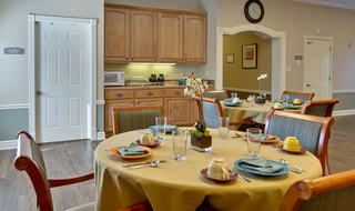 Dining set at troy assisted living